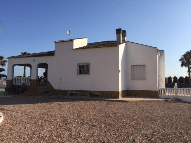 catral nice finca for sale